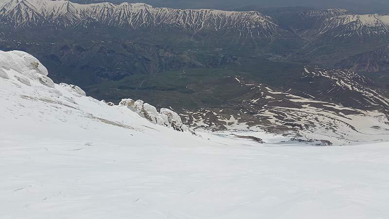 Skitouren Iran - Firnabfahrt vom Feinsten
