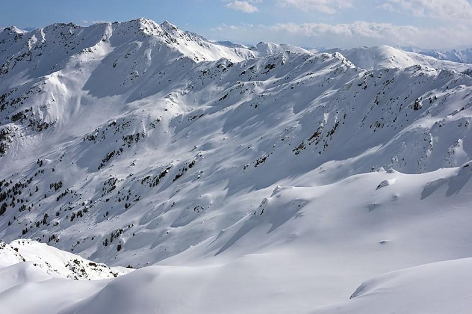 Unverspurte Nordosthänge in den Fromm Grund (westlicher und östlicher Salzachgeier links oben im Bild)